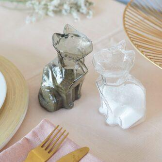 Peper- en zoutstel in de vorm van katten